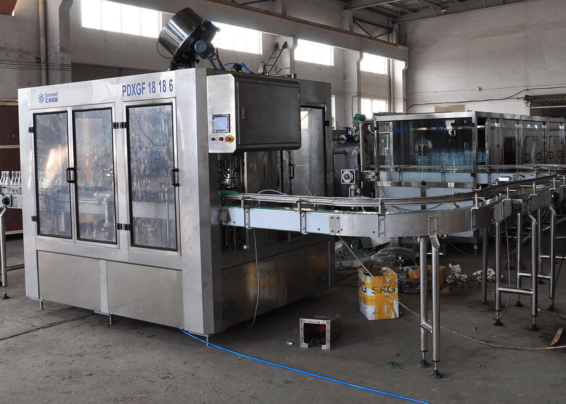 SS PET / Glass Bottle Carbonated Filling Machine , Liquid Packaging Equipment