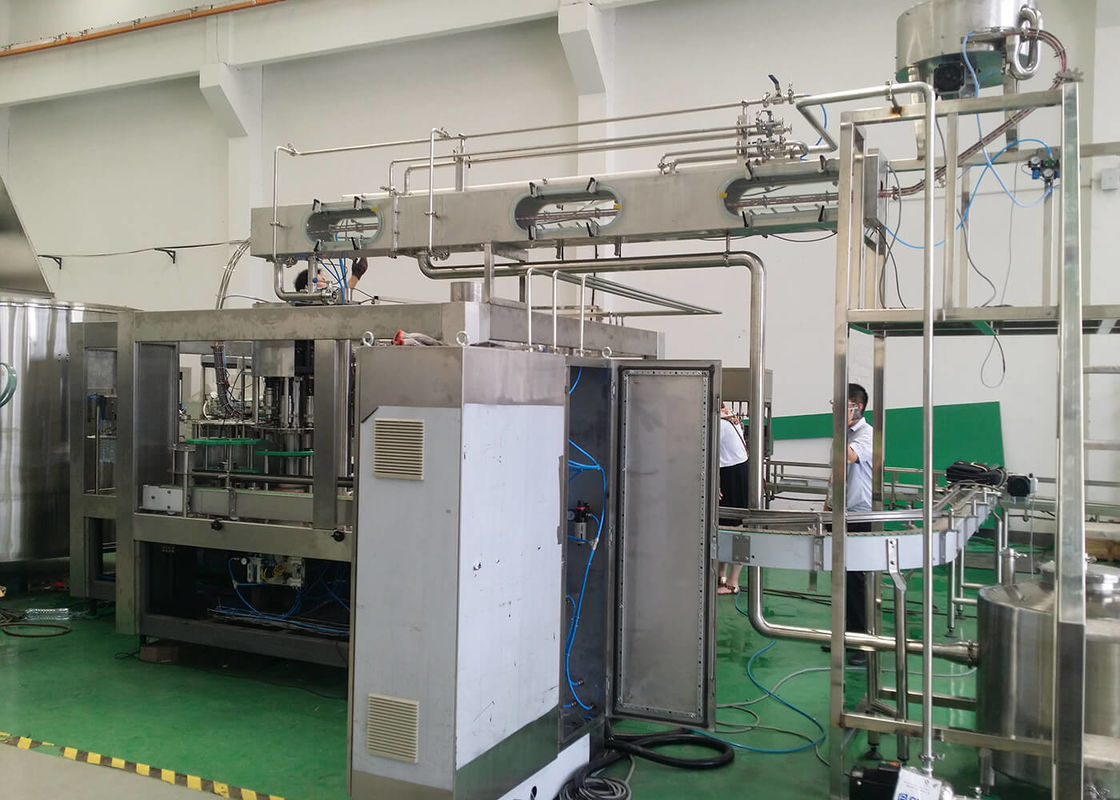 Automatic Soda Sparkling Water Cola Sprite Carbonated Soft Drinks Filling Packaging Machine